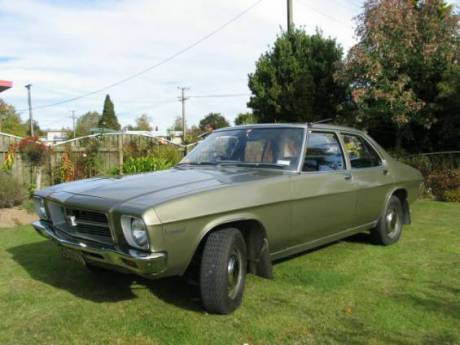 Holden_Kingswood_(1971-1974_HQ_series)